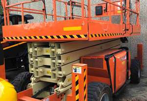 JLG 43FT ROUGH TERRAIN SCISSOR LIFT