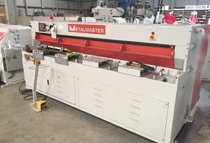 Used Metalmaster Hydraulic NC Guillotine Model HG-840B