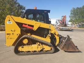 2017 CAT 239D TRACK LOADER, FULL SPEC WITH 875 HOURS - picture1' - Click to enlarge