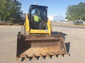 2017 CAT 239D TRACK LOADER, FULL SPEC WITH 875 HOURS - picture4' - Click to enlarge
