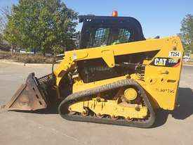 2017 CAT 239D TRACK LOADER, FULL SPEC WITH 875 HOURS - picture8' - Click to enlarge