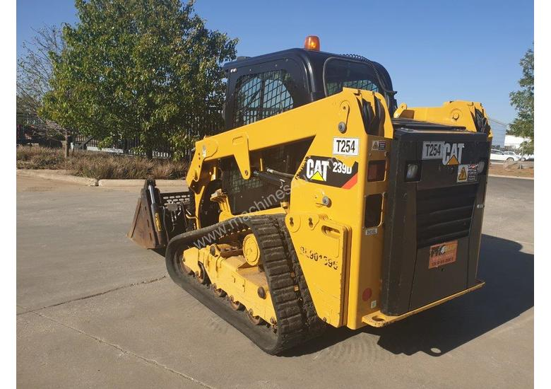 2017 CAT 239D TRACK LOADER, FULL SPEC WITH 875 HOURS