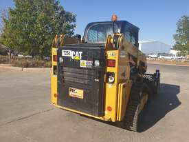 2017 CAT 239D TRACK LOADER, FULL SPEC WITH 875 HOURS - picture11' - Click to enlarge