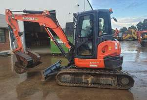 USED KUBOTA U55-4 EXCAVATOR WITH FULL A/C CABIN, HITCH, 4 BUCKETS AND LOW 425 HOURS