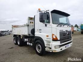 2010 Hino FS 700 2844 - picture0' - Click to enlarge