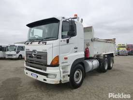 2010 Hino FS 700 2844 - picture2' - Click to enlarge