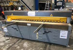 Just In - Metalmaster 2500mm x 3.2mm Truecut Powered Guillotine - Volt