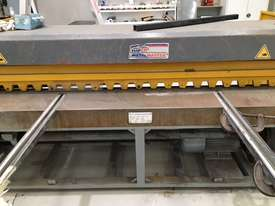 Just In - Metalmaster 2500mm x 3.2mm Truecut Powered Guillotine - Volt - picture0' - Click to enlarge