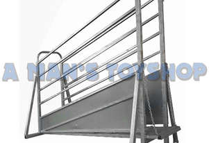 LOADING RAMP CATTLE 3.6M ADJUST 1 TON