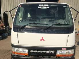 2001 MITSUBISHI CANTER L 500/600 - picture2' - Click to enlarge