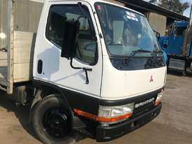 2001 MITSUBISHI CANTER L 500/600 - picture3' - Click to enlarge