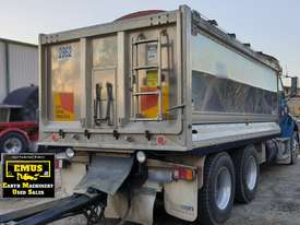 2006 Sterling Alloy Tipper with Tefco Quad Alloy Trailer.  TS496 - picture1' - Click to enlarge