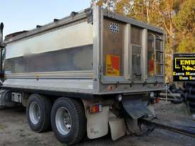 2006 Sterling Alloy Tipper with Tefco Quad Alloy Trailer.  TS496 - picture2' - Click to enlarge