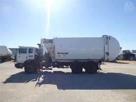 Iveco Acco - picture2' - Click to enlarge