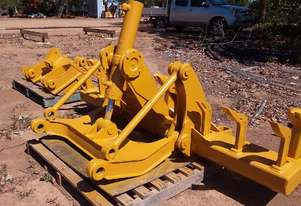 Caterpillar Rippers off grader or dozer