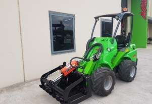 Used Avant 635 Articulated Loader with New HD Grapple Forks