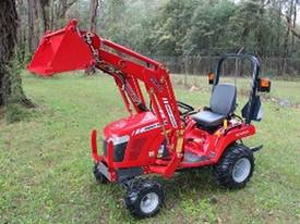 MF GC Series Compact Tractor - picture0' - Click to enlarge