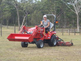 MF GC Series Compact Tractor - picture1' - Click to enlarge