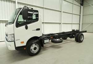 Hino 920 - 300 Series Cab chassis Truck