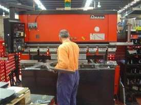 AMADA FBD 8020 5 axis cnc Brake Press - picture1' - Click to enlarge