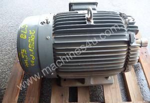 NEVER USED TECO 40HP 3 PHASE ELECTRIC MOTOR/ 2955R