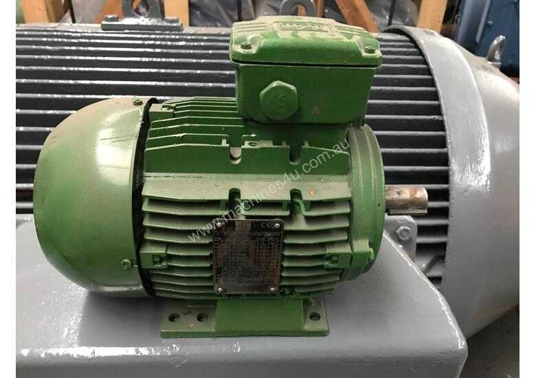 5 Hp Electric Motor >> 0 37 Kw 0 5 Hp 8 Pole 415 V Ac Electric Motor