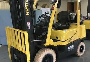 2.5T Counterbalance Hyster Forklift