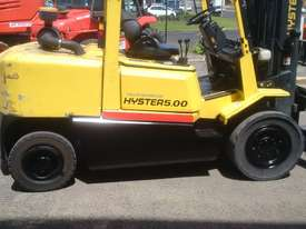 HYSTER 5 TON DIESEL CONTAINER MAST FORKLIFT  - picture3' - Click to enlarge