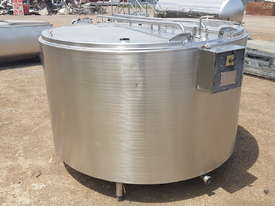 STAINLESS STEEL TANK, MILK VAT 2200 LT - picture0' - Click to enlarge