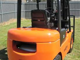Everun Australia FD25 - 2500kg Capacity Diesel Forklift - picture3' - Click to enlarge