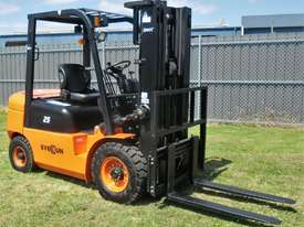 Everun FD25 - 2500kg Capacity Diesel Forklift - picture9' - Click to enlarge