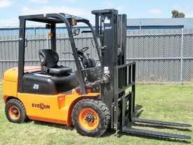 Everun FD25 - 2500kg Capacity Diesel Forklift - picture10' - Click to enlarge