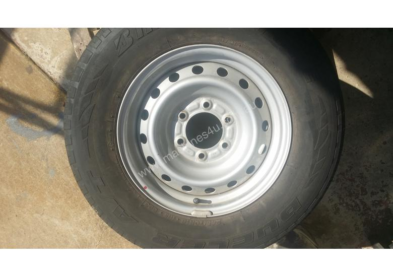 Isuzu Dmax 16 inch factory rims and tyres