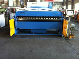 SM-FHPB3204 3200mm X 4mm CNC2 Foldmaster  - picture3' - Click to enlarge