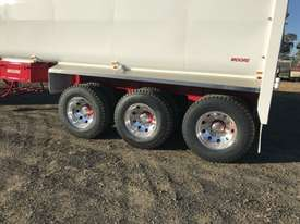 Moore Semi Tipper Trailer - picture3' - Click to enlarge