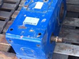 Reduction Gearbox 24.6:1 - picture0' - Click to enlarge