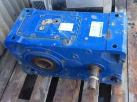 Reduction Gearbox 24.6:1 - picture2' - Click to enlarge