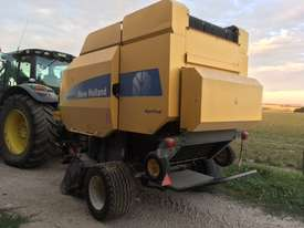 New Holland BR7070 Round Baler Hay/Forage Equip - picture0' - Click to enlarge