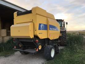 New Holland BR7070 Round Baler Hay/Forage Equip - picture2' - Click to enlarge