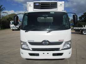 Hino 616 - 300 Series Refrigerated Truck - picture2' - Click to enlarge