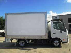 Hino 616 - 300 Series Refrigerated Truck - picture3' - Click to enlarge