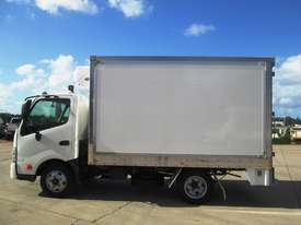 Hino 616 - 300 Series Refrigerated Truck - picture7' - Click to enlarge