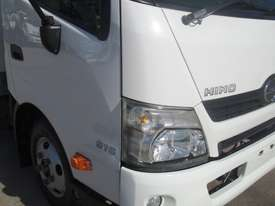 Hino 616 - 300 Series Refrigerated Truck - picture9' - Click to enlarge
