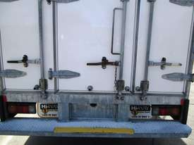 Hino 616 - 300 Series Refrigerated Truck - picture12' - Click to enlarge