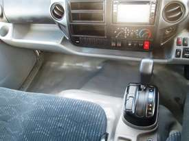 Hino 616 - 300 Series Refrigerated Truck - picture17' - Click to enlarge