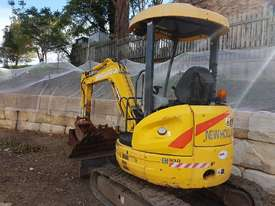 New Holland EH30B 3T Mini Excavator - picture0' - Click to enlarge