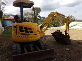New Holland EH30B 3T Mini Excavator - picture14' - Click to enlarge