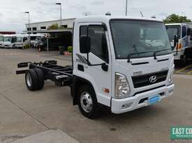 2018 Hyundai MIGHTY EX4 STD CAB MWB Cab Chassis   - picture8' - Click to enlarge
