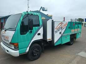 ISUZU NQR 450 SERVICE TRUCK - picture1' - Click to enlarge