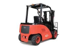 CPD40/45/50F8 FOUR-WHEEL FORKLIFT